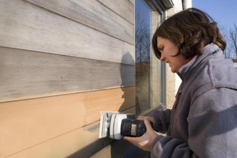 Hoe een houten schutting schilderen?