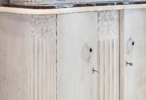 Comment peindre des meubles avec de la peinture à la craie ?