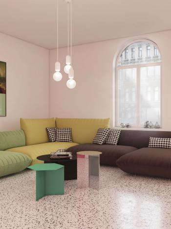 Combinez des couleurs de peinture neutres avec des meubles colorés dans le living