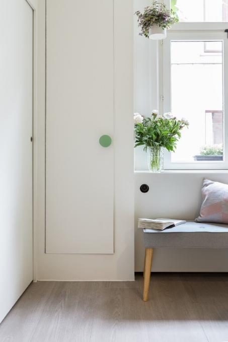 Peignez votre armoire en blanc