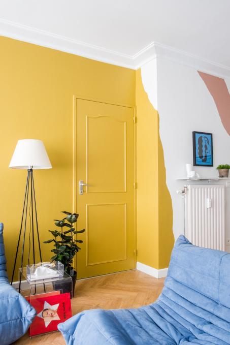 Osez jouer avec la couleur dans votre salon