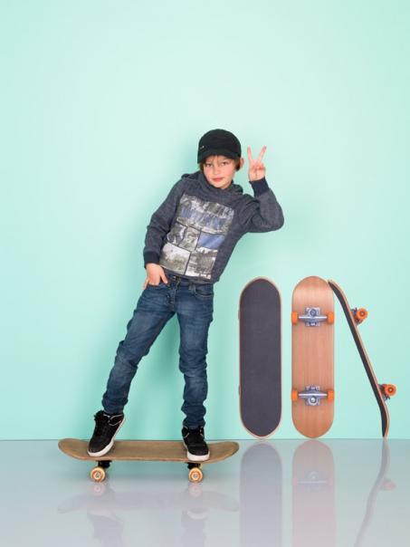 Autocollant mur skateboard