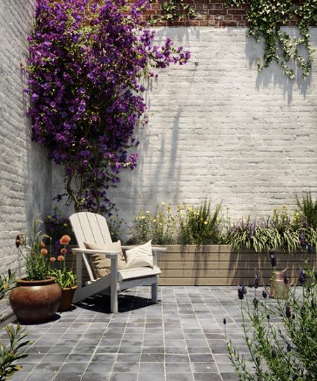 En optant pour un blanc chaud, votre jardin de ville paraîtra plus grand.