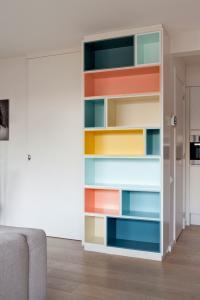 Un peu de laque redonne vie à vos meubles en bois