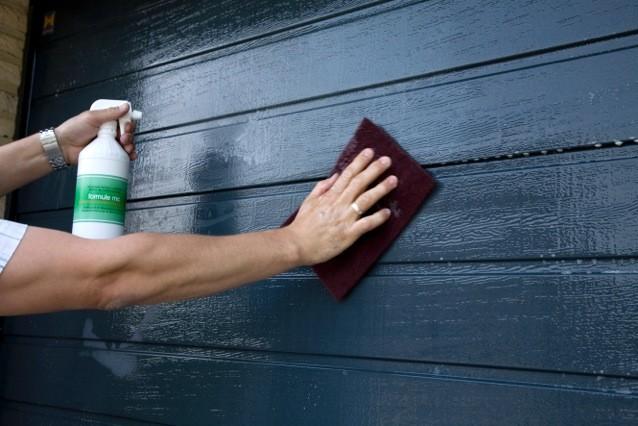 Couleur peinture grege pr l vement d 39 chantillons et une bonne id e de concevoir - Peindre une porte de garage en pvc ...