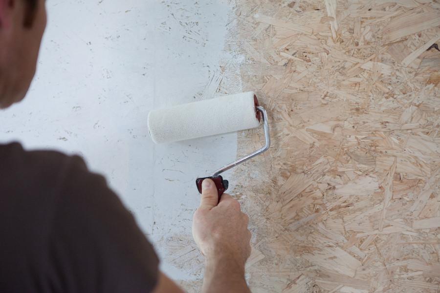 Garage, grenier ou sol: voici comment peindre des panneaux OSB