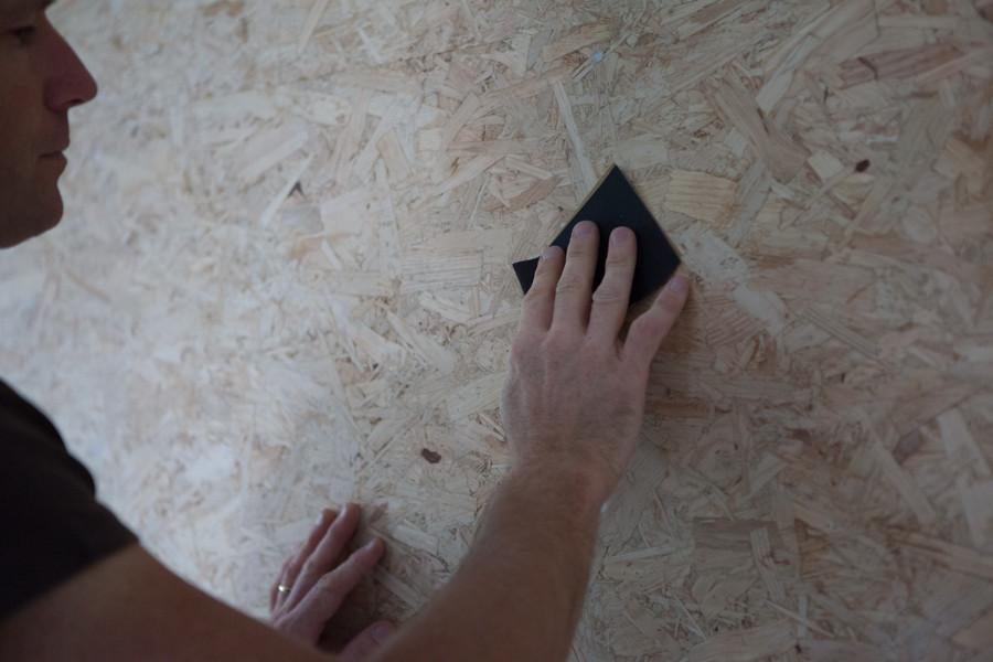 blog garage grenier ou sol voici comment peindre des panneaux osb. Black Bedroom Furniture Sets. Home Design Ideas