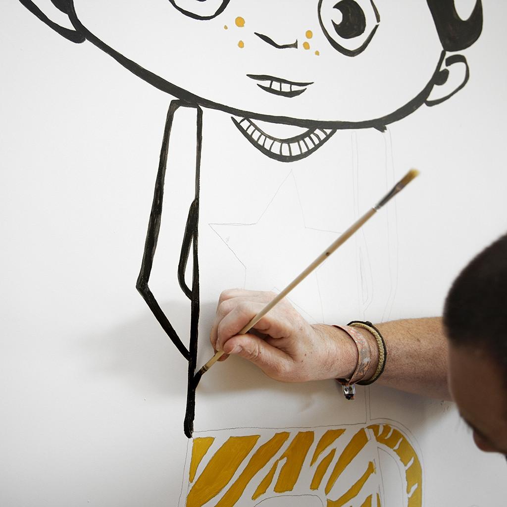 Idée déco chambre d'enfant : une peinture murale!