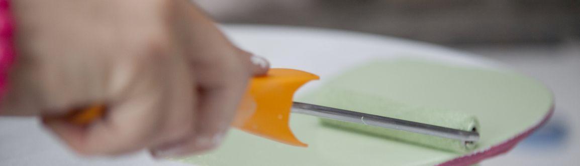Peindre les matériaux synthétiques