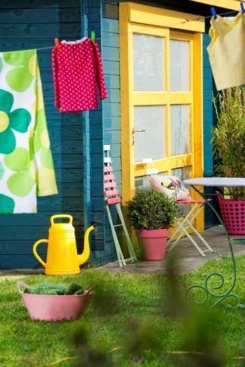 Peindre un abri de jardin