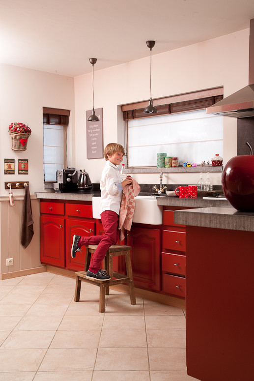 Keukenkasten Behangen : Keukenkasten laten verven tegels paint amp ...
