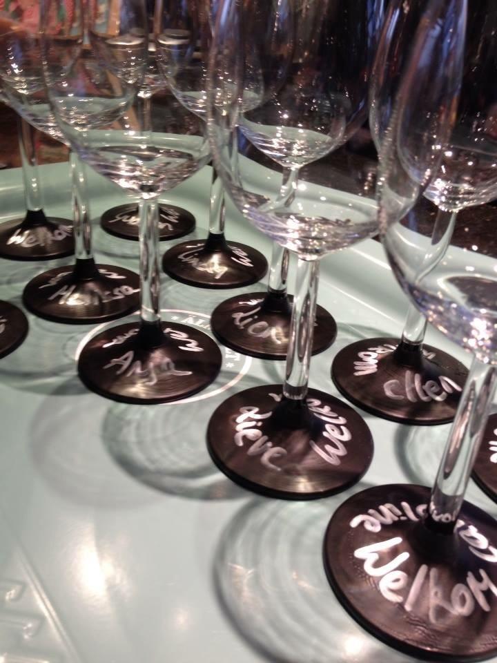 Gepersonaliseerde glazen met bordverf
