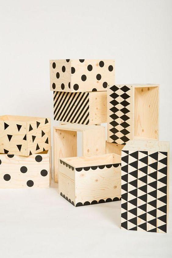 des caisses de rangement originales en bois
