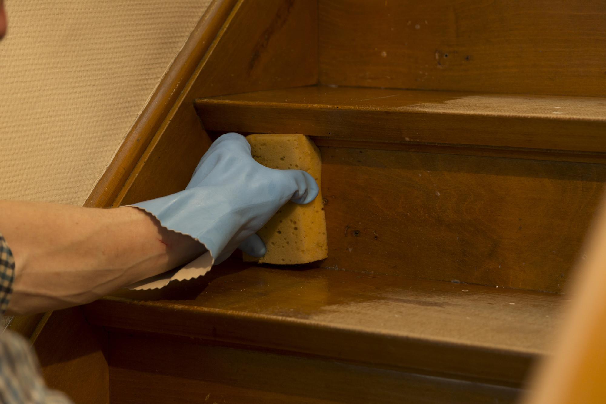 Trap schilderen: ontvet de trap grondig