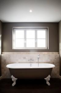 blog - vliesbehang in de badkamer: doen of niet? - colora.be, Badkamer