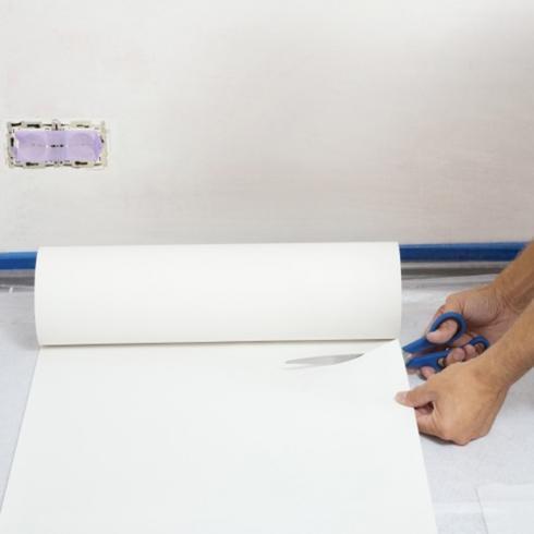 Overschilderbaar vliesbehang aanbrengen in 10 stappen