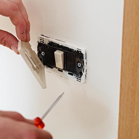 Hoe een binnenmuur uit pleisterwerk schilderen?