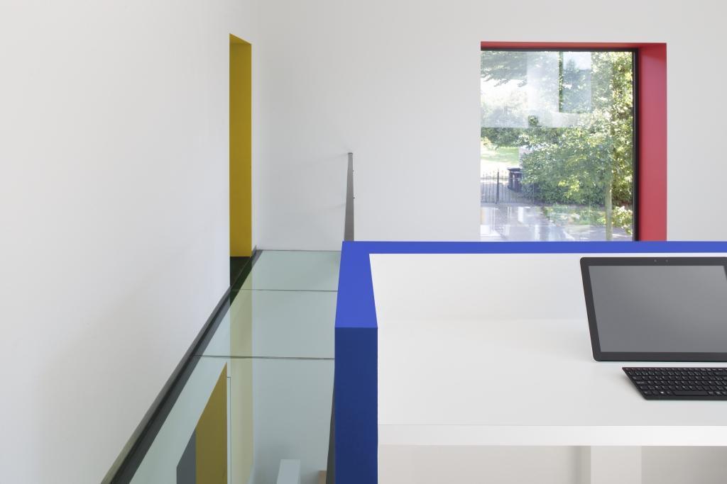 Schilder je werkruimte in geel, rood en blauw