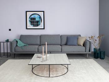 Creër een rustige woonkamer met lichte kleuren
