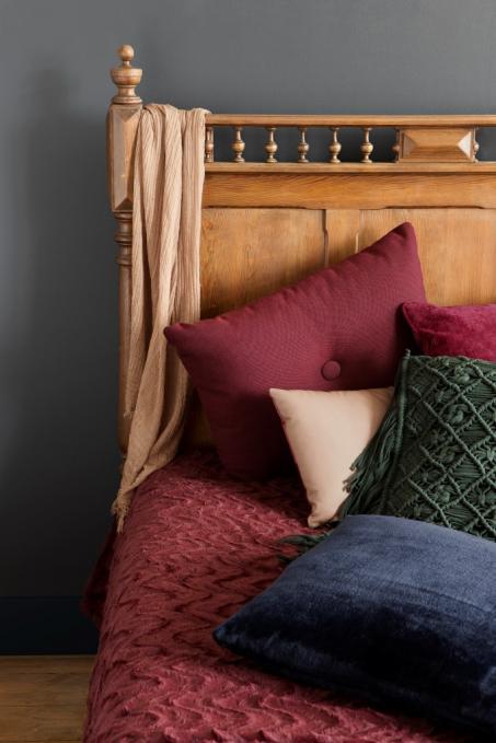 Schilder je slaapkamermuur donkerblauw