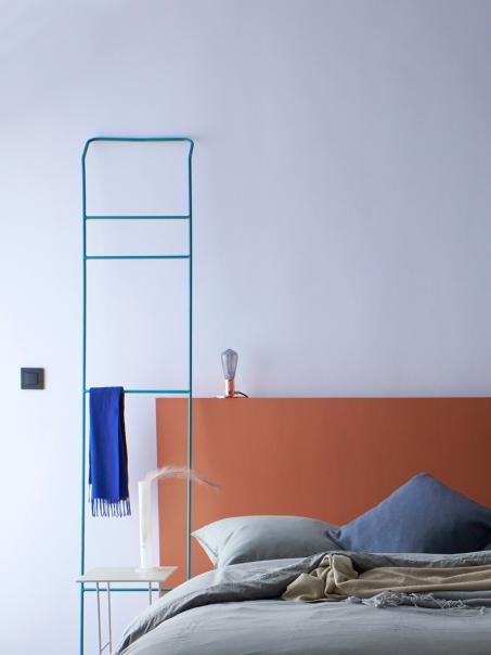 Zorg voor een sfeervolle kamer met de juiste kleuren.