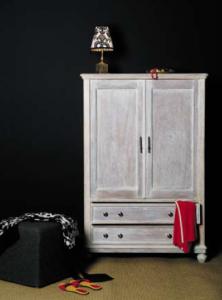 Met Paint' Off (classic of instant) en houtbeits creëer je zelf de mooiste vintage meubelen
