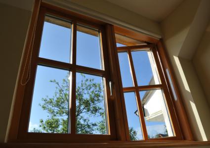 Schilderen van houten ramen en deuren: nieuw en onbehandeld hout