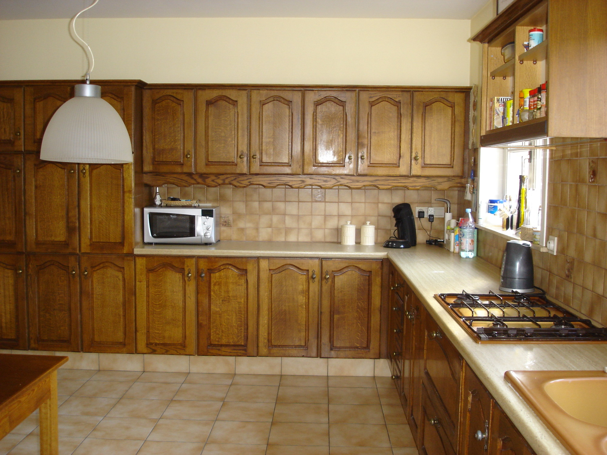 Houten Keuken Geverfd : Eikenhouten keukenkasten schilderen colora be