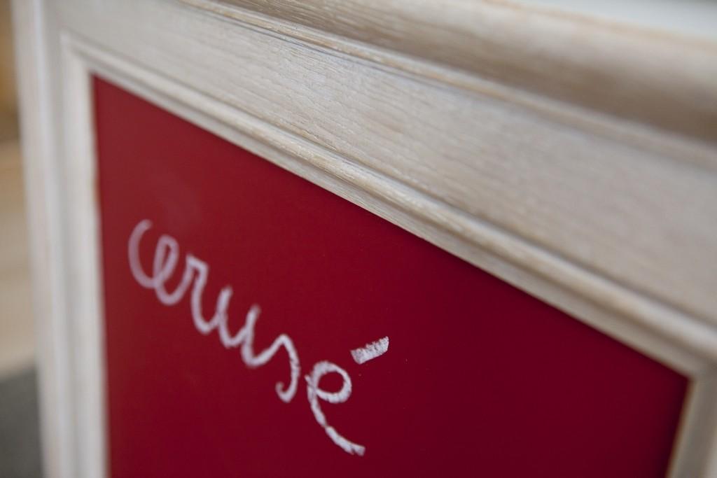 Decoratieve verftechniek meubelen Cerusé
