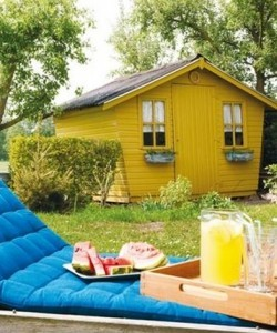 Geel in je interieur: de betekenis van geel als verfkleur